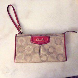 Coach wallet wristlet khaki print, cherry red trim